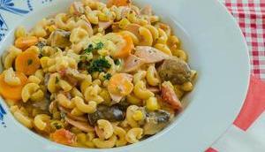 Ferienküche einem Topf: One-Pot Pasta Cervelat