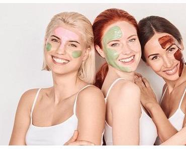 Trägt man eine Gesichtsmaske am besten mit Pinsel oder Finger auf?