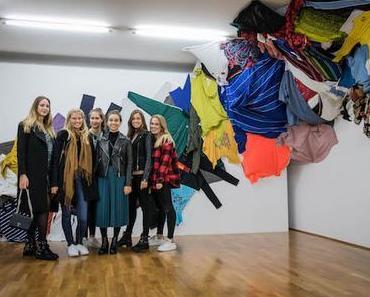 Menschen im Museum – Nina, Lisa, Antonia, Jessica, Juliana, Anna