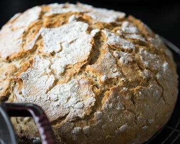 Camembert im Brot – Vorspeisenplatte – perfekt als Snack zu Silvester oder zum Aperitif