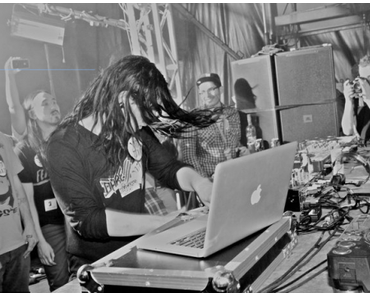 Skrillex – Scary Monsters And Nice Sprites (Dirtyphonics)   Remix