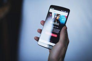 LG enthüllt offiziell Design seiner neuen Smartphone-Modellreihe Velvet