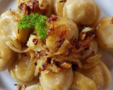 Piroggen à la Branca mit  grüner Spargelfüllung (ovo-lacto-vegetarisch)