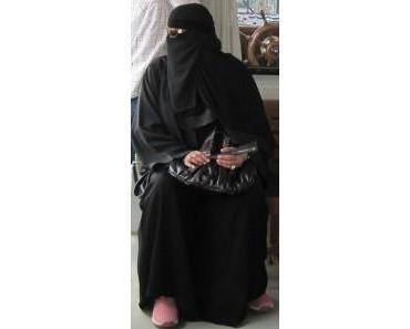 Die Frauen in Saudi-Arabien feiern