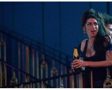 Amy Winehouse auf pete Doherty-Konzert ausgebuht und rausgeekelt