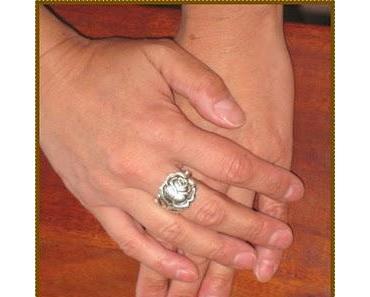 Schmuck   Ein fast neuer Ring &  schmuck ist auch die neue Juli La Mia Boutique