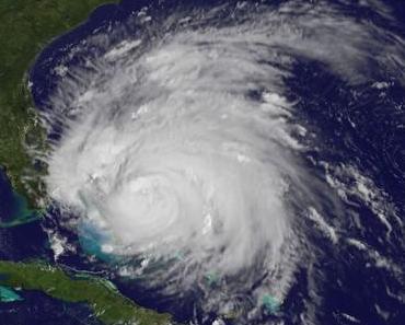 Hurrikan IRENE am 25. August 2011 - über den Bahamas und die US-Ostküste im Visier
