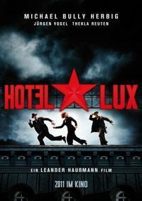 Trailer zu 'Hotel Lux' mit Michael Herbig