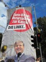 """""""Verursacher der Krise zur Kasse"""""""