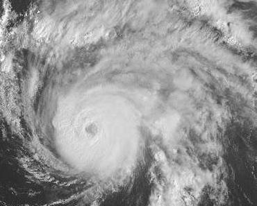 Hurrikan OPHELIA meint es anscheinend gut mit Bermuda