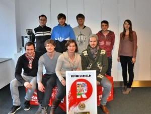 Radio Hamburg erhält von Revolverheld Goldene Schallplatte