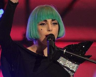 Stuck on you: Lady Gaga's neuer Song und Klage einer Ex-Assistentin