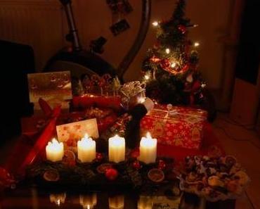 Geschenke und Schoko-Erdnuss-Kakao