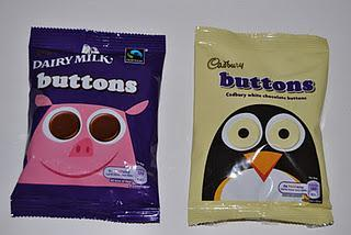 Cadbury Buttons Dairy Milk und White, Cadbury Brunch Bar Hazelnut und Choc Chip