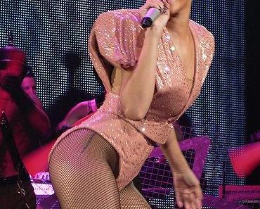 Rihanna tritt zusammen mit Coldplay bei den Grammys 2012 auf