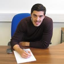 Tomkins lacht von der Homepage, West Ham von der Tabellenspitze