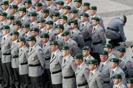 Deutschland im Abrüstungs-Delirium