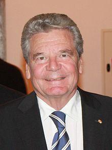 """""""IM Larve"""": gibt es Flecken auf Gaucks weissem Kittel?"""