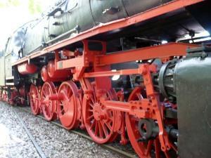 Deutsche Bahn: Prestigeprojekte statt Personenverkehr (für Ossis)