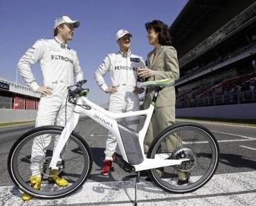 Schumacher und Rosberg auf ebikes unterwegs