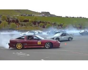 75 Autos driften gleichzeitig