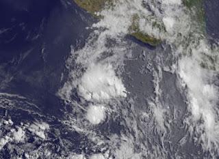 System 90E (potentiell Tropischer Sturm ALETTA) bildet sich vor Mexiko