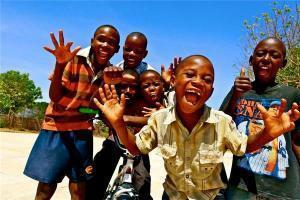 Clickfor Projekt – Skateboardtraining für Kinder in Tansania