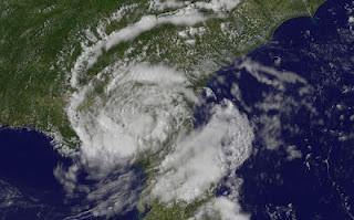 Tropischer Rainmaker BERYL hält sich tapfer über Florida und Goergia - Atlantische Hurrikansaison 2012 beginnt in 4 Tagen