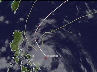 Potentieller Taifun MAWAR / AMBO zieht wahrscheinlich an Philippinen vorbei