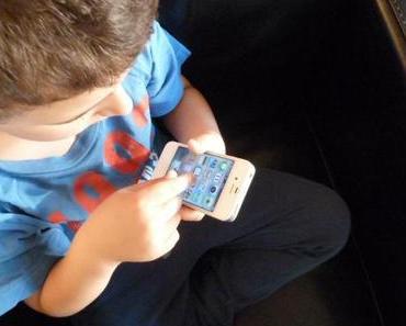 Kind und Handy: bewusster Umgang mit Neuen Medien