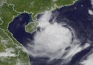 Tropischer Sturm VICENTE / FERDIE auf dem Weg nach Nord-Vietnam