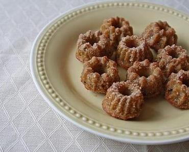 Petits kouglofs avec pommes et noisettes