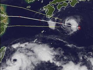 Tropischer Sturm DAMREY bei Japan zieht nach Schanghai