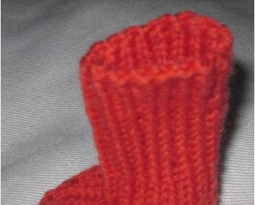 4. August (ET + 3 SSW) - Wie ich Babysocken stricke