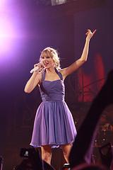 """Taylor Swift kündigt neues Album """"Red"""" und neue Single an"""