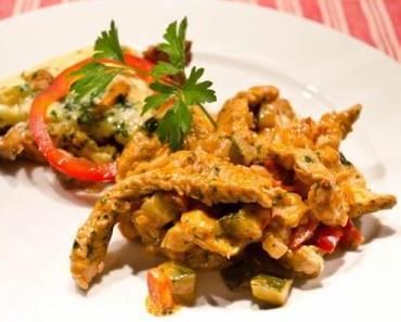 Putengeschnetzeltes in Gemüse-Gutedelrahmsauce mit Pfifferling-Frittata