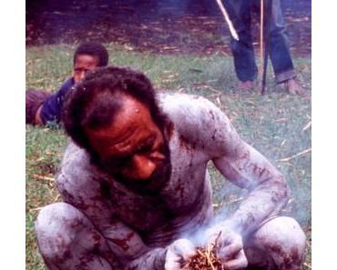 Feuer auf Papua Neuguinea