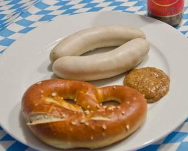 Weißwurst-Frühstück am Oktoberfest Sonntag