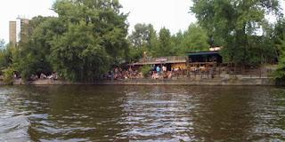 Kater Holzig Betreiber bieten am meisten für das Gelände um die ehemalige Bar 25