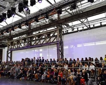 C&A; Fashion Show in Düsseldorf mit Cindy Crawford