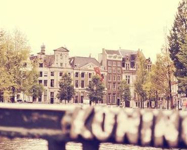 Amsterdam: Eine Mischung aus Badekugeln und Gras
