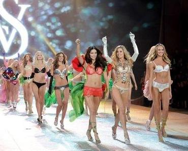 "Victoria's Secret Fashion Show 2012 - ""God, where are my endless skinny legs and the natural beauty face?!"