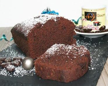 Schokoladenkuchen mit Kaffee und Amaretto