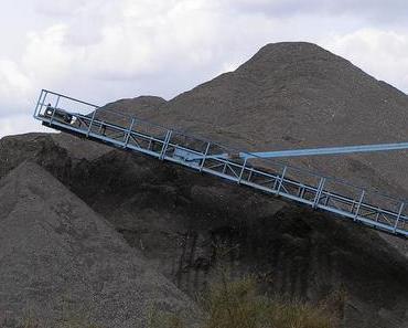 Riesenbagger soll den Krater von Schmalkalden wieder schließen