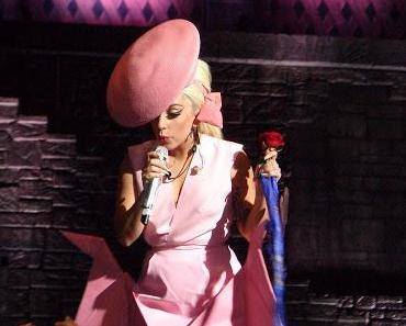Lady Gaga kann nicht mehr laufen u. muss Konzerte absagen