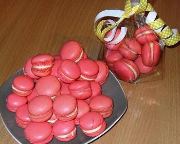 (Erdbeer)-Macarons mit Vanillefüllung