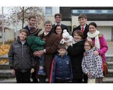 12-köpfige Familie in Naarn, Oberösterreich