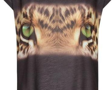 """New In:  Tiger """" Blogger"""" T-shirt"""