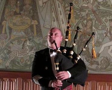 Ronnie Bromhead auf der Burg Altena