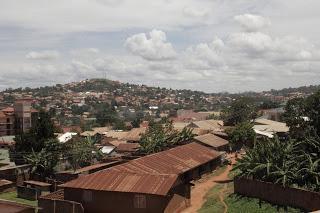 Ein Mal Kampala, zwei Mal Krankenhaus und immer wieder Gloria